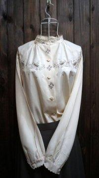 無地 カラー 長袖ブラウス 刺繍 ラグラン袖 スタンドカラー[15258]