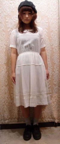 無地 白 半袖 レトロワンピース 刺繍[1142]