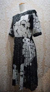 花柄 ホワイトブラック レトロワンピース [52011]
