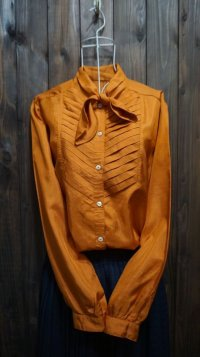 カラー オレンジ 長袖ブラウス ボウタイカラー[15276]