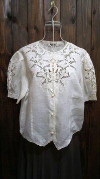 無地 白 半袖 ブラウス 麻 ノーカラー 刺繍 レース[11147]