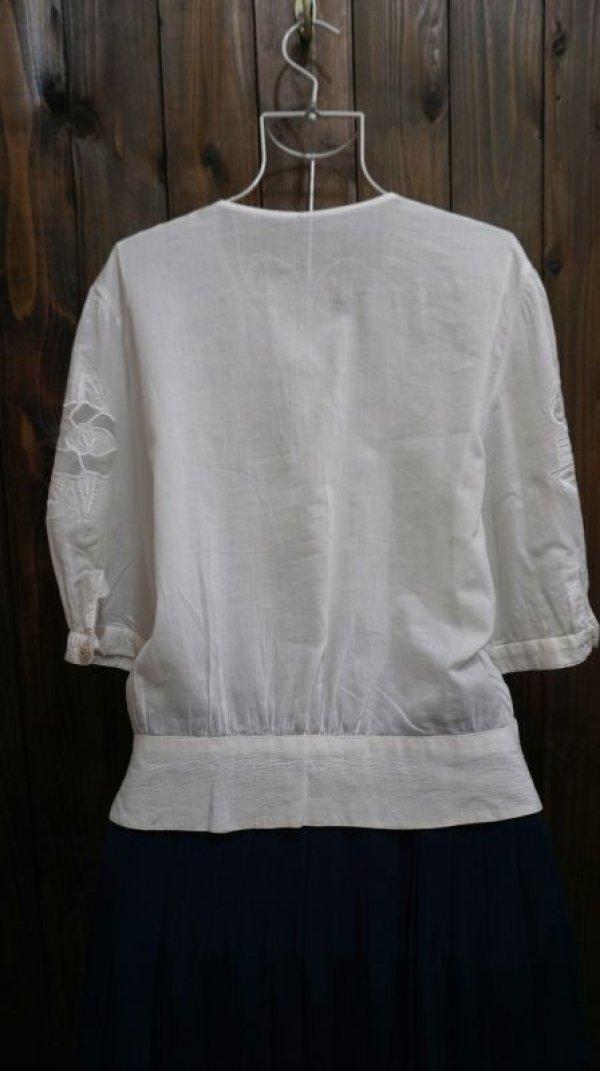 画像2: 無地 コットン 白 半袖ブラウス 刺繍 [11297]