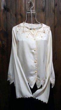 白 長袖ブラウス ビジュー レース刺繍[15446]