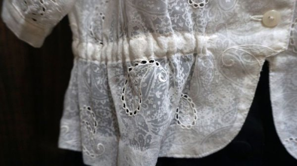 画像3: ペイズリー柄 白 半袖 ブラウス ノーカラー ドルマンスリーブ[11346]