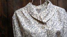 他の写真1: ローズ柄   長袖 ブラウス ロールカラー [15873]