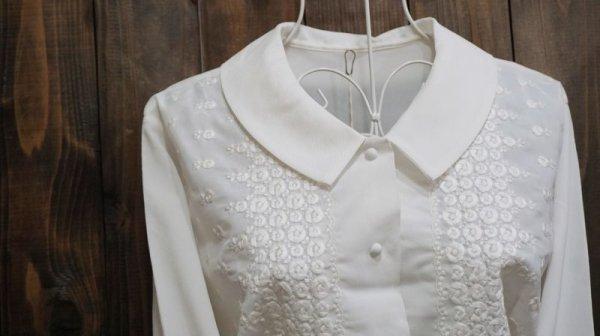 画像2: 白 長袖 ブラウス ピーターパンカラー 花刺繍[15879]