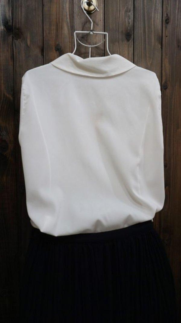 画像4: 白 長袖 ブラウス ピーターパンカラー 花刺繍[15879]