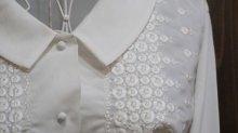 他の写真1: 白 長袖 ブラウス ピーターパンカラー 花刺繍[15879]