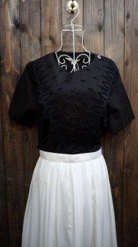 無地 黒 半袖 ブラウス 刺繍 レース[11646]