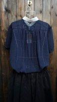 画像2: ドット柄 ネイビー 半袖 ブラウス スカラップカラー 刺繍[11665] (2)