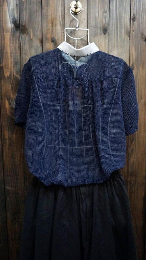 画像2: ドット柄 ネイビー 半袖 ブラウス スカラップカラー 刺繍[11665]