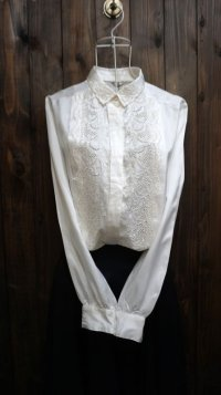 白 長袖 ブラウス レギュラーカラー 刺繍[15975]