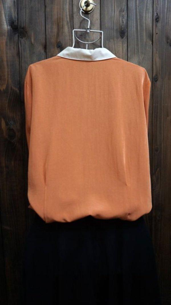 画像2: オレンジ系 長袖 ブラウス 丸襟[15993]
