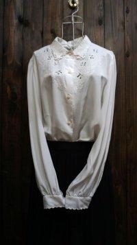 白 長袖 ブラウス 刺繍 [16053]
